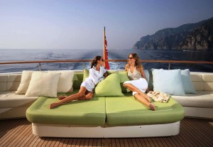 Yacht Rental Services in Singapore Brings you the Best Vacation Plans !!
