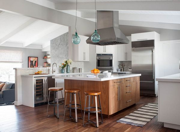 7 Ideas for Wooden Base Stools in Kitchen and Bar Décor