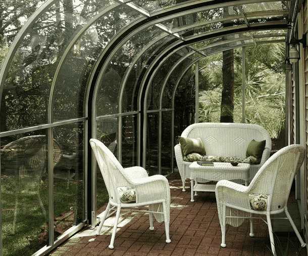 Advantages of Patio Enclosure Kits in New York