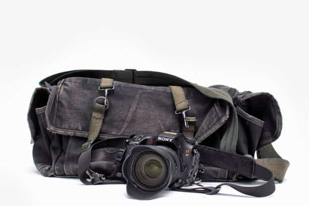 5 Camera Accessories Every Photographer Must Carry Along