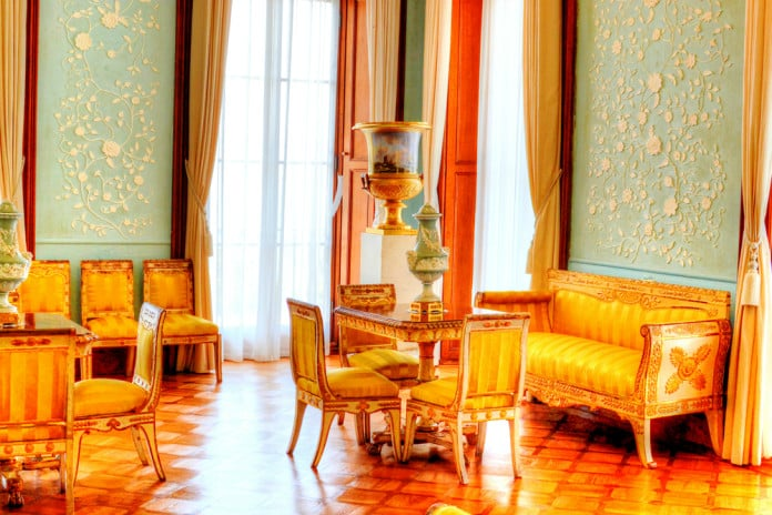 Essence of Decors Signify the Beauty of a House Using French provincial Décor